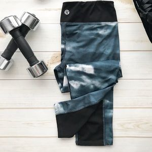 LULULEMON Tie Dye Two-Tone Cropped Legging Petrol